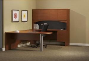 """Peninsula """"U"""" Desk with Hutch"""